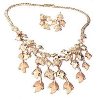 Baroque Dangling Leaves Necklace Set