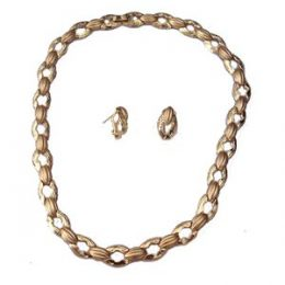Retro Gold Choker Necklace and Earrings Set